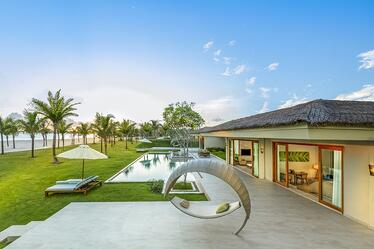 Fusion-Resort-Phu-Quoc-Grand Beach villa_01-969313-edited.jpg