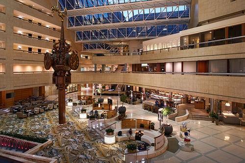 Crown-plaza-atrium