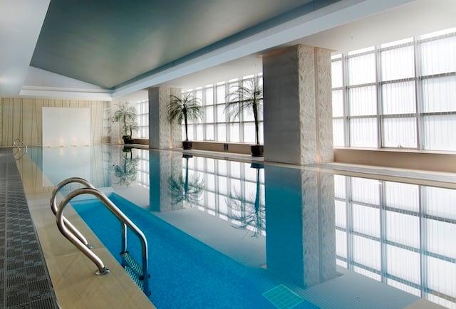 Jumeirah-Himalayas-Shanghai-Swimming-Pool