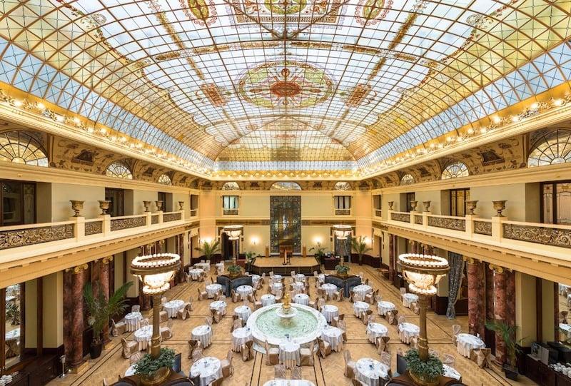 Metropol-Hotel-Dining-Hall