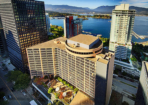 Pinnacle_Harbourfront_Hotel_Exterior