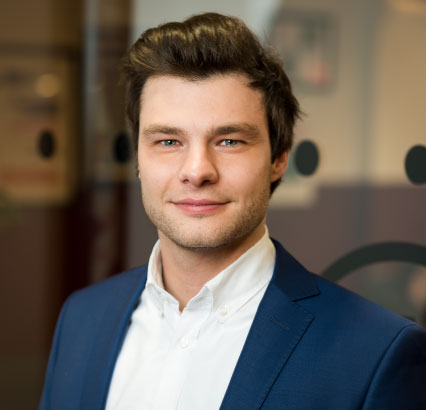 Matthias-Geeroms-Corporate-Image